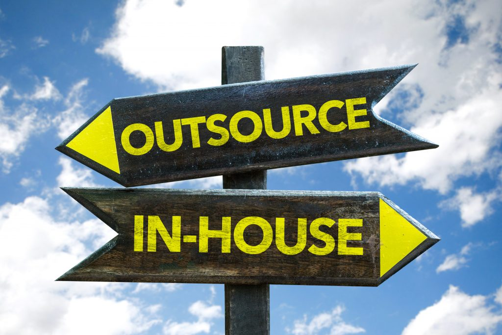 Outsourcingstöd till holdingkoncern